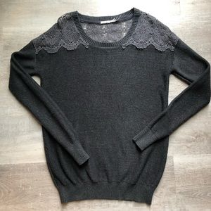 Kimchi Blue from Urban Outfitters sweater size S